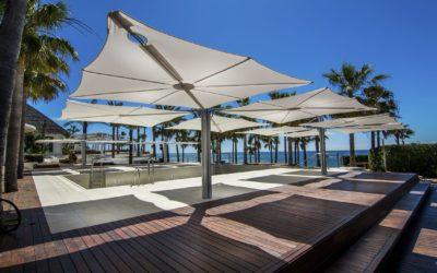 Parasol luxe: embellissez votre terrasse avec classe